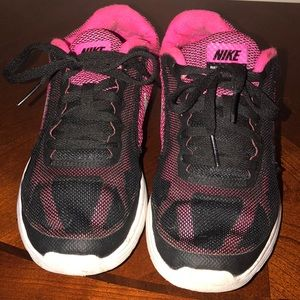 Nike Revolution girls sneakers size 3.5